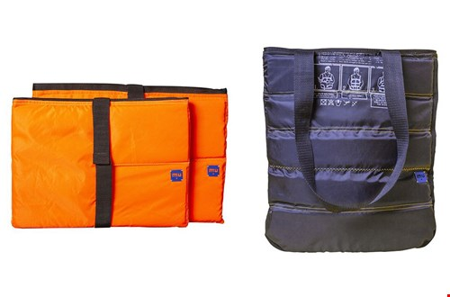 Links: laptophoes. Rechts: tas van zwart reddingsvest